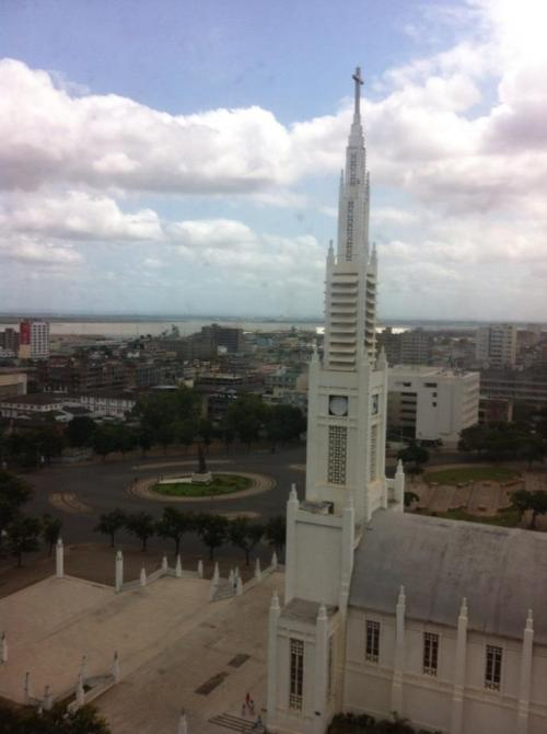 Vista do meu quarto de hotel. A Catedral de Maputo.HFG 2013